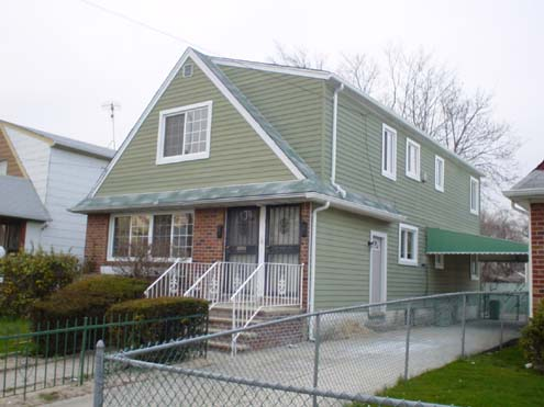 CAMBRIA HEIGHTS, NY 11 Rooms 2 Families,  (5 bed. 2 bath.)