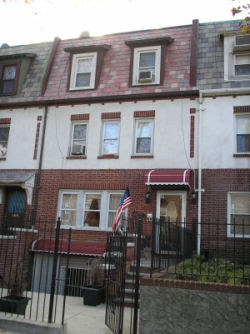 ASTORIA, NY  Rooms 2 Family + Walk in, Colonial (6 bed. 4 bath.)