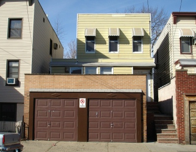 ASTORIA, NY 7 Rooms 2 Families, Colonial (3 bed. 2 bath.)