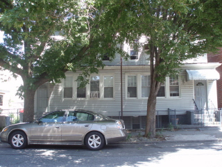 ASTORIA, NY 16 Rooms 4 Families, Colonial (8 bed. 4 bath.)