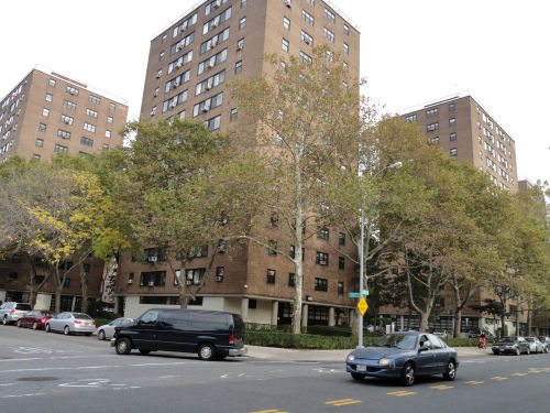 Long Island City, NY 4 1/2 Rooms Co-Op,  (2 bed. 1 bath.)
