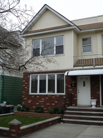 MASPETH, NY 14 Rooms 2 Families, Colonial (6 bed. 3 bath.)