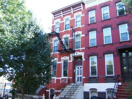 BROOKLYN, NY 14 Rooms 3 Families, Townhouse (6 bed. 3 bath.)