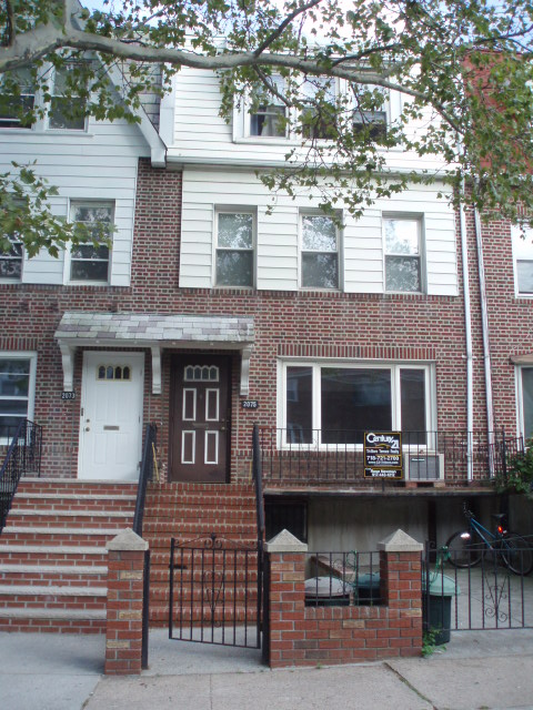 ASTORIA, NY 10 Rooms 2 Families,  (5 bed. 3 bath.)