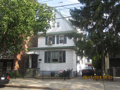 ELMHURST, NY 14 Rooms 2 Families, Colonial (5 bed. 3 bath.)