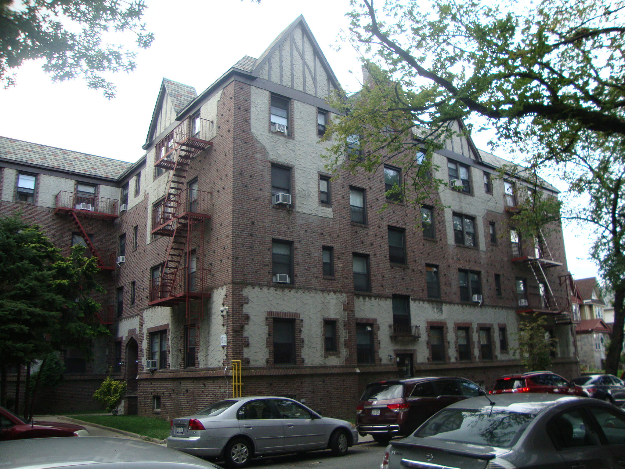 rego park, NY 3 Rooms Co-op,  (1 bed. 1 bath.)