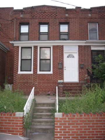 ASTORIA, NY 9 Rooms Attached, 2 Family (2 bed. 3 bath.)