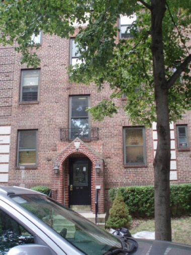 ASTORIA, NY 4 Rooms Condo, Townhouse (1 bed. 1 bath.)