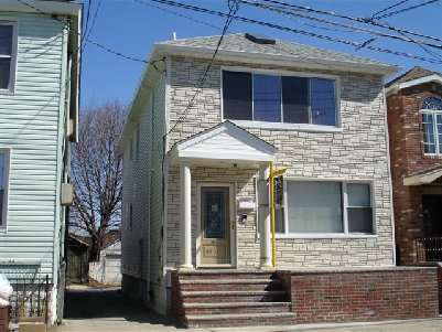 ASTORIA, NY 14 Rooms 2 Families, Colonial (5 bed. 3 bath.)